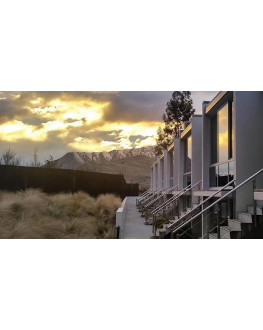 ★ Stay 3 nights at Swiss-Belsuites Pounamu Queenstown